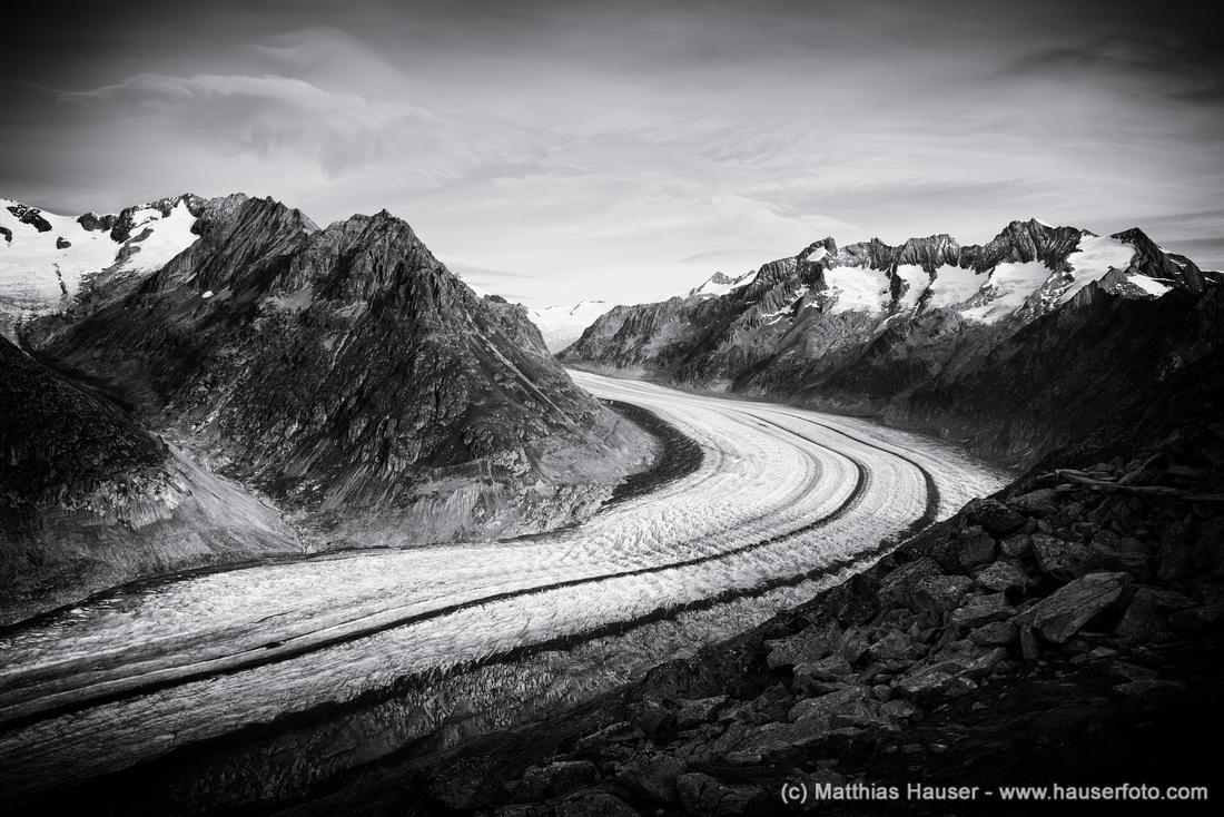 Der große Aletschgletscher in schwarz-weiß - Great Aletsch Glacier, Swiss Alps, Switzerland in black and white