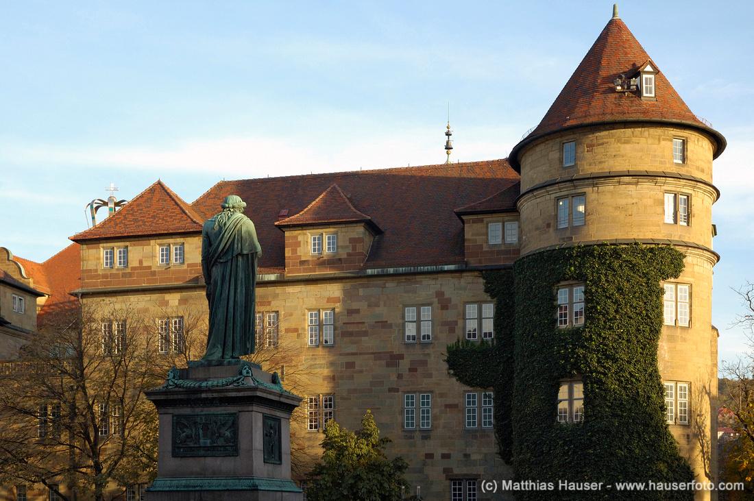 Schillerdenkmal vor altem Schloss, Stuttgart, Baden-Württemberg, Deutschland   Schiller monument and Old Castle, Stuttgart, Baden-Wuerttemberg, Germany, Europe