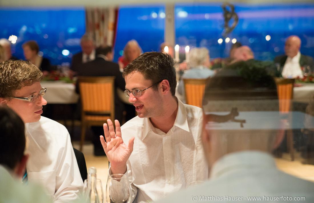 Gäste auf einer Hochzeit
