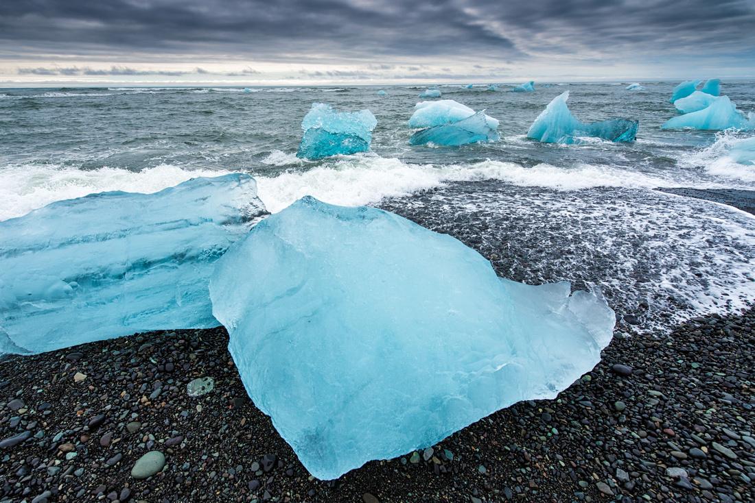 Beach, ice and ocean - Jökulsárlón Iceland