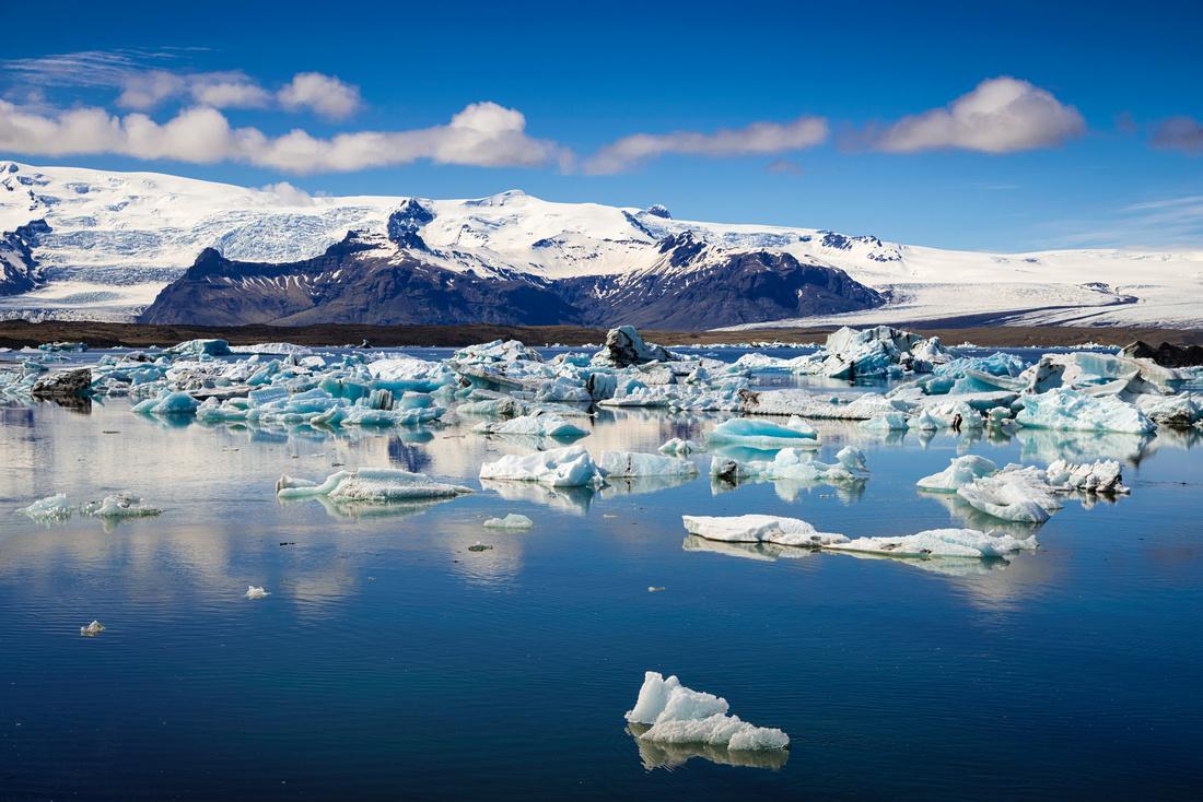 Jökulsárlón glacier lagoon in Iceland on a beautiful summer day
