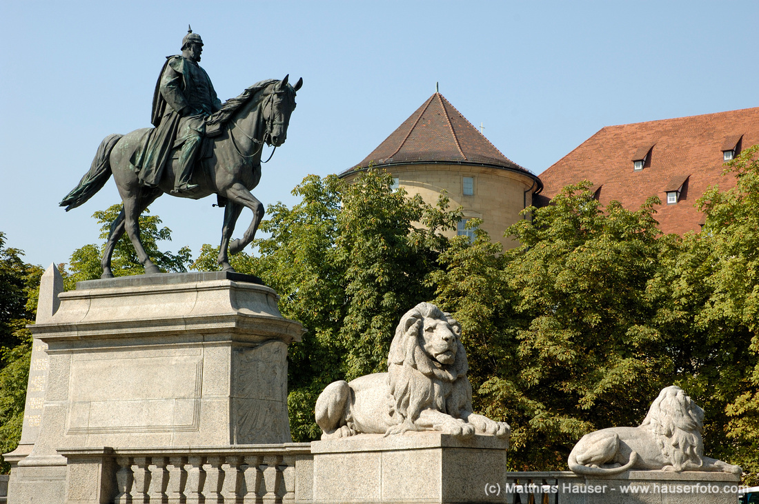 Reiterdenkmal Kaiser Wilhelm I. auf dem Karlsplatz in Stuttgart, Baden-Württemberg, Deutschland   Monument to german emperor Wilhelm I., Karlsplatz, Stuttgart, Baden-Wuerttemberg, Germany, Europe
