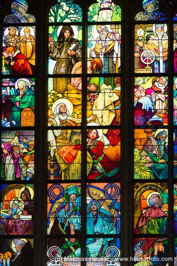 Mucha-Fenster, Glasmalerei von Mucha, Dom St. Veit, Prager Burg, Prag, Tschechische Republik, Europa