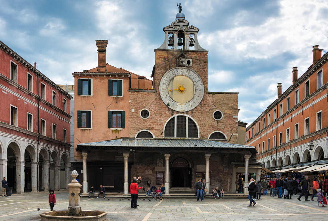 Campo San Giacomo di Rialto in Venice