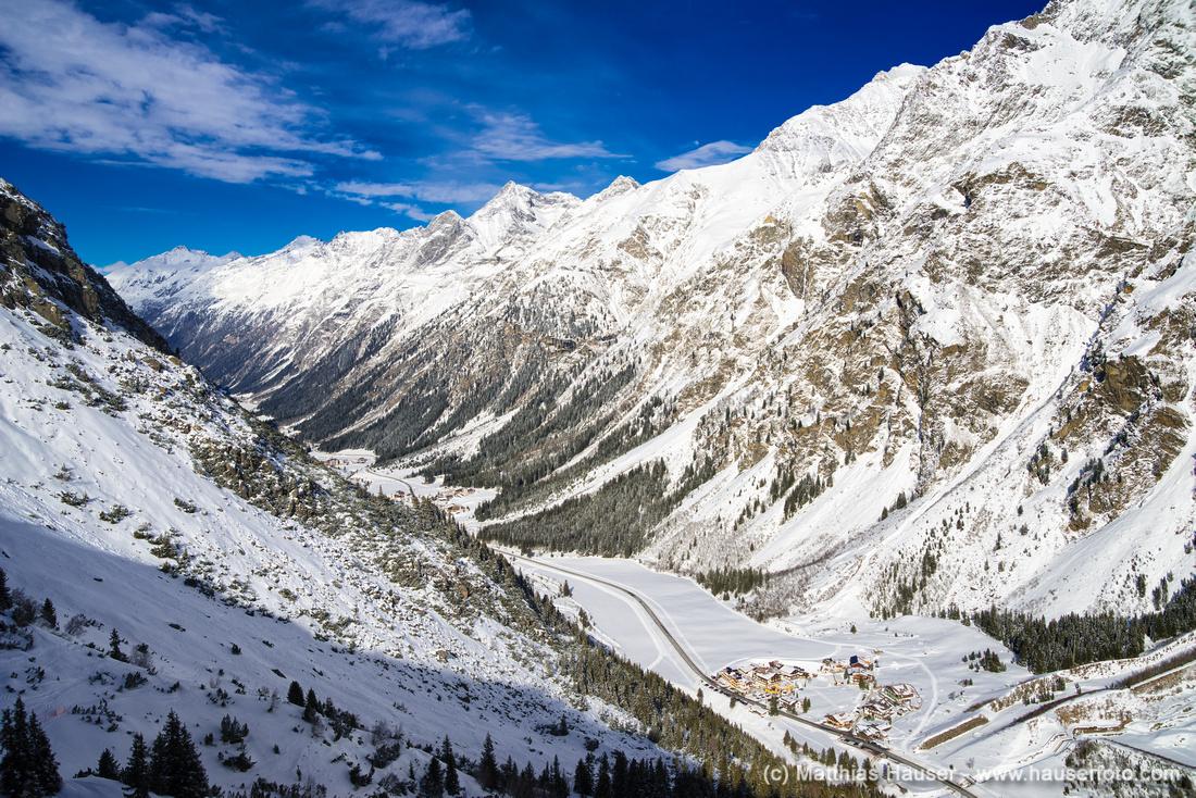 Pitztal Österreich im Winter - Blick auf Berge und Tal
