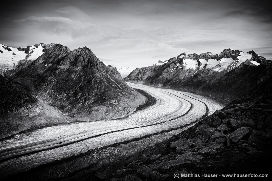 Der große Aletschgletscher in schwarz-weiß - Great Aletsch Glacier, Swiss Alps, Switzerland in black and white