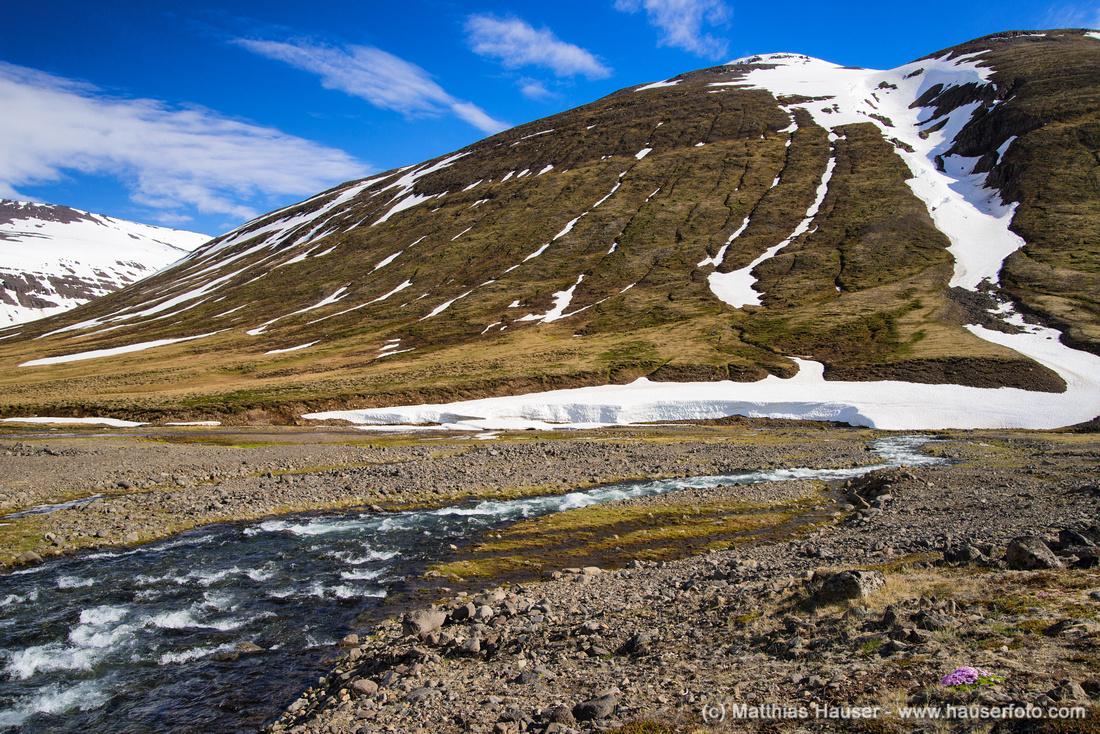 Berglandschaft im Norden Islands - Mountain landscape in Northern Iceland